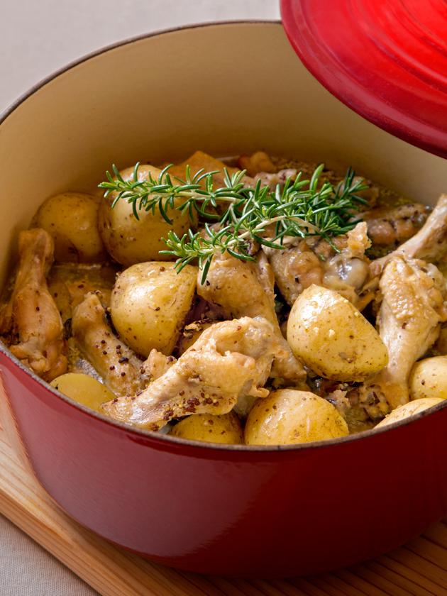 鶏手羽下と皮つきジャガイモのワインビネガーマスタード