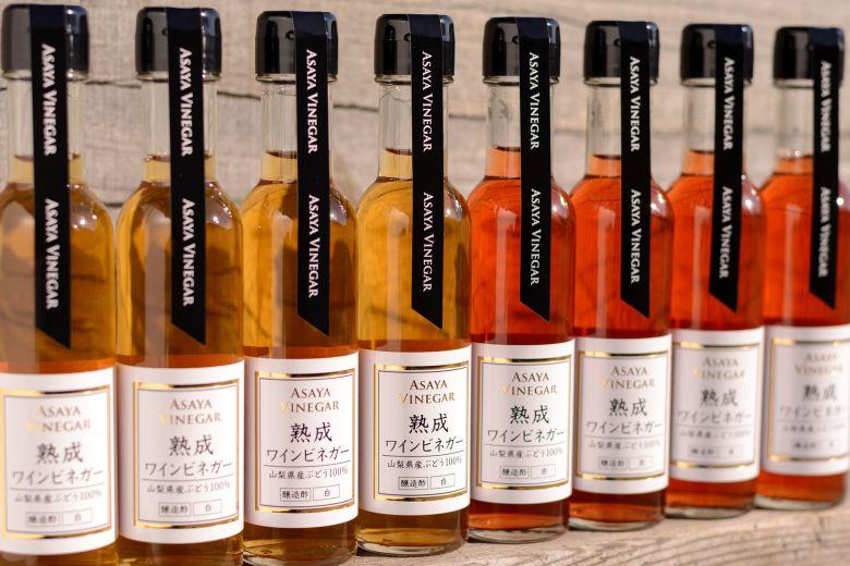 STEP6 完成:味と香りを吟味し製品に。無添加の純国産熟成ワインビネガーの完成。